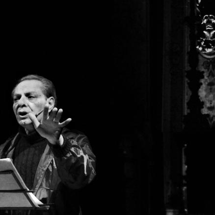 Enzo Moscato: il Modo minore è la mia maniera di cantare, le note sono parole con leali