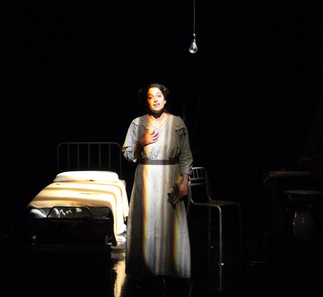 Ilaria Cangialosi: il teatro è un atto politico, in scena la storia di RosaLuxemburg