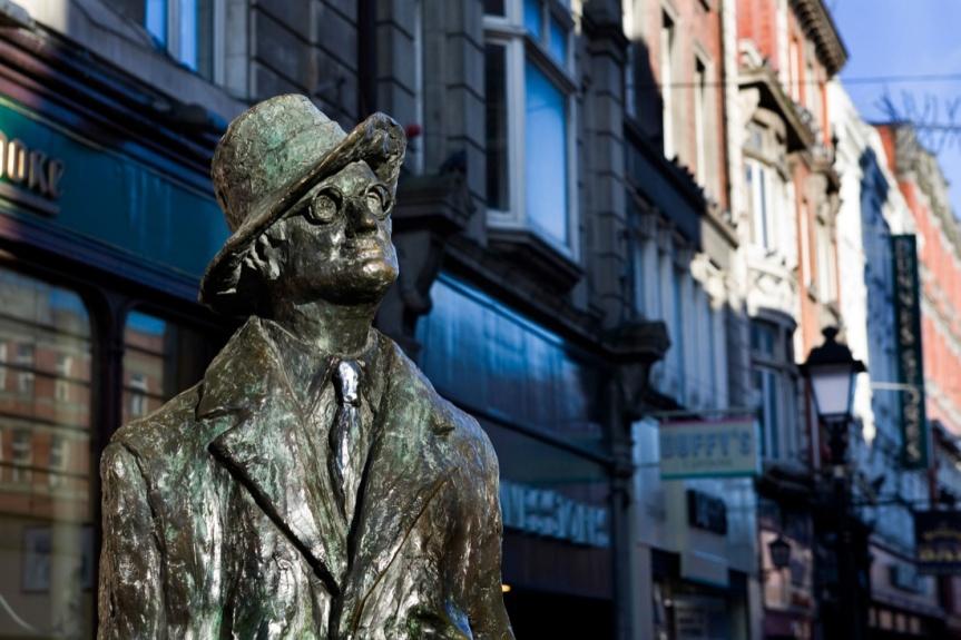 Enrico Terrinoni: Chi ha paura dei classici (e dellarealtà)?