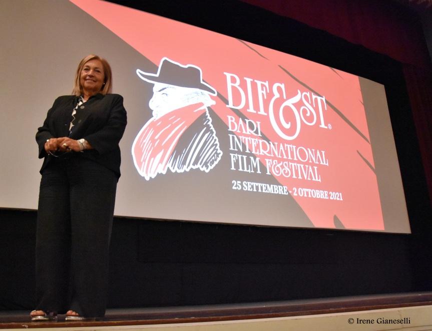Presentato al Bif&st 2021 il numero di «Bianco e nero» dedicato all'attrice irripetibile: MariangelaMelato